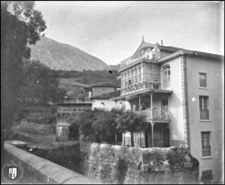 La Casa del Puente, circa 1900.